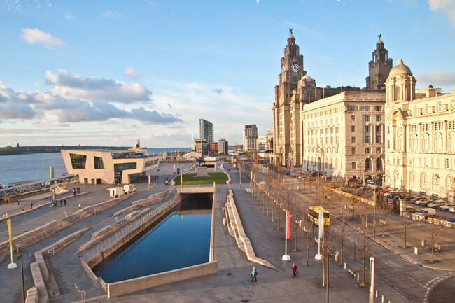 Lions House Removals Liverpool